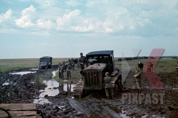 stock-photo-soviet-tractor-s65-used-to-pull-out-wehrmacht-trucks-out-of-the-mud-september-1941-poltava-donez-ukraine--12665.jpg