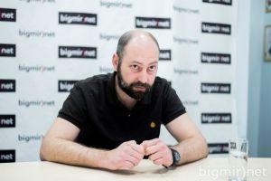 Андрій Тарасенко відповідає на питання народу в режимі онлайн