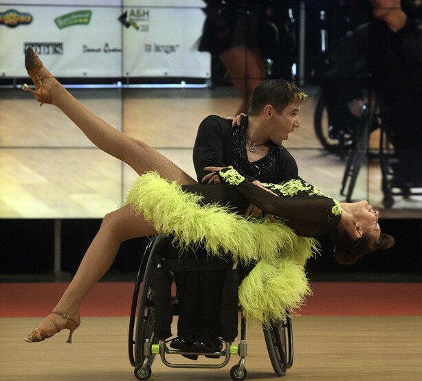 танцы в колясках (3).jpg