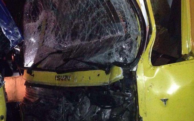 Под Киевом фургон  столкнулся смаршруткой