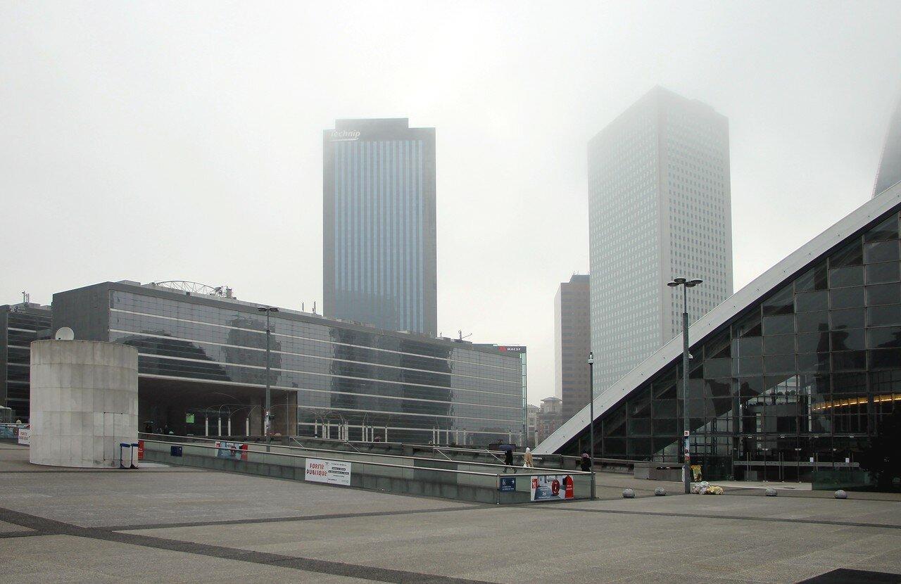 Париж. Парвиз де ла Дефанс (Parvis de La Défense)