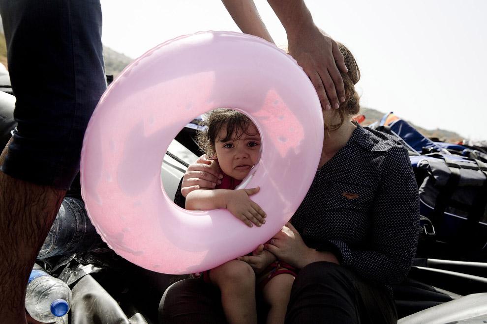 8. Брошенные спасательные жилеты мигрантов, которые прибыли на греческий остров Лесбос, 8 сентя