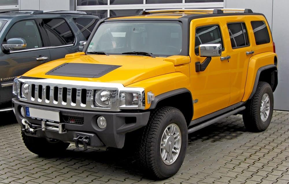 Hummer H3. Популярный в России внедорожник, который производился в течении пяти лет с 2005 по 2010 г