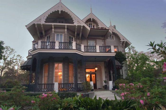 6. Уилл Смит и Джада Пинкетт Смит, особняк Calabasas Резиденция семьи Смитов находится недал