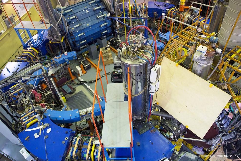 8. Создание ВЭПП-2000 с применением целого ряда передовых решений в магнитной системе и системе