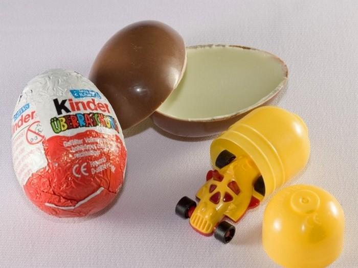 3. Яйца «Киндер Сюрприз» Министерство здравоохранения США не одобряет использование съедобных предме