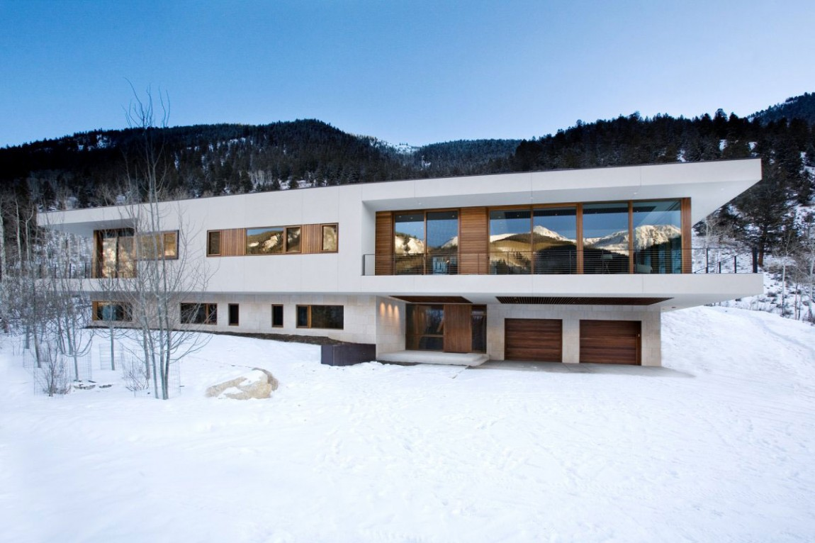 Частная резиденция Linear House от архитекторов Studio B в Аспене, штат Колорадо. Проект был разрабо