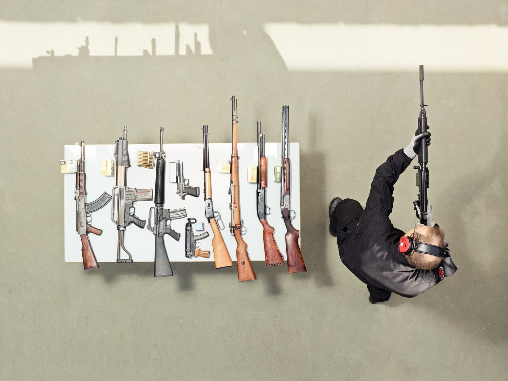 Как готовят криминалистов в Голландии (24 фото)