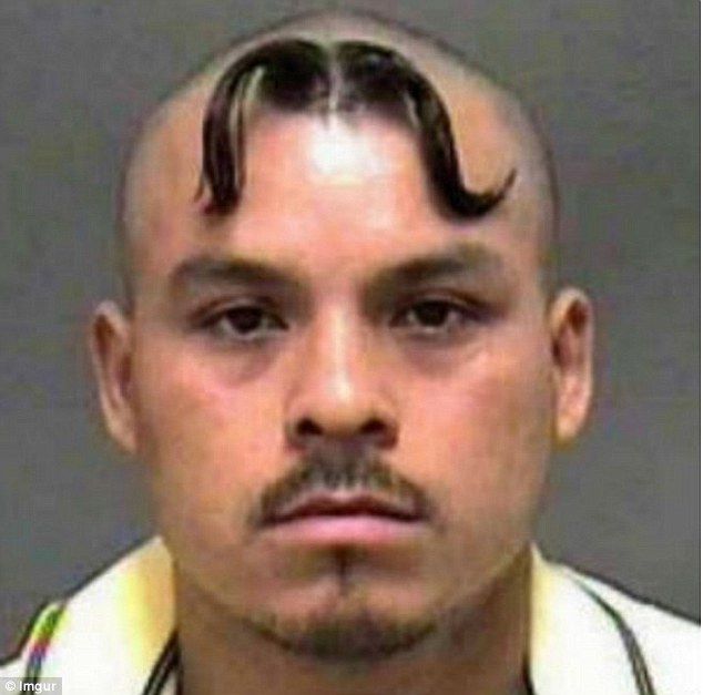 Пересадить лихие казацкие усы на лоб? Легко.