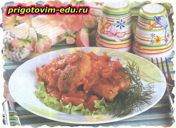 Куриные котлеты в соусе из томатов