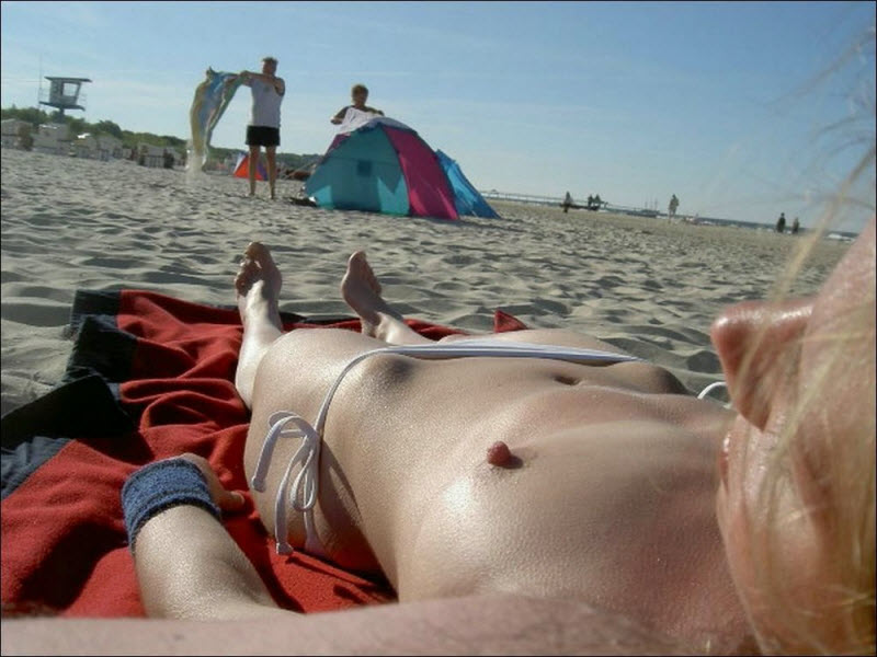Девчонки на пляже