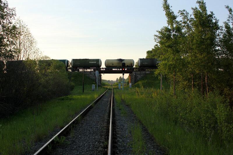 Вагоны на станции Ржев-Балтийский, перекрестье Рижского хода и линии Лихославль - Вязьма, вид на Лихославль