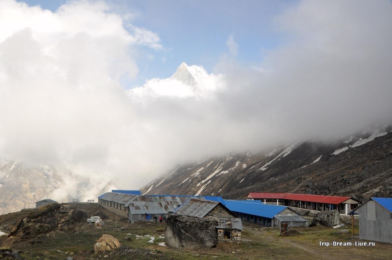 Небо проясняется, открывается вид на Мачапучаре