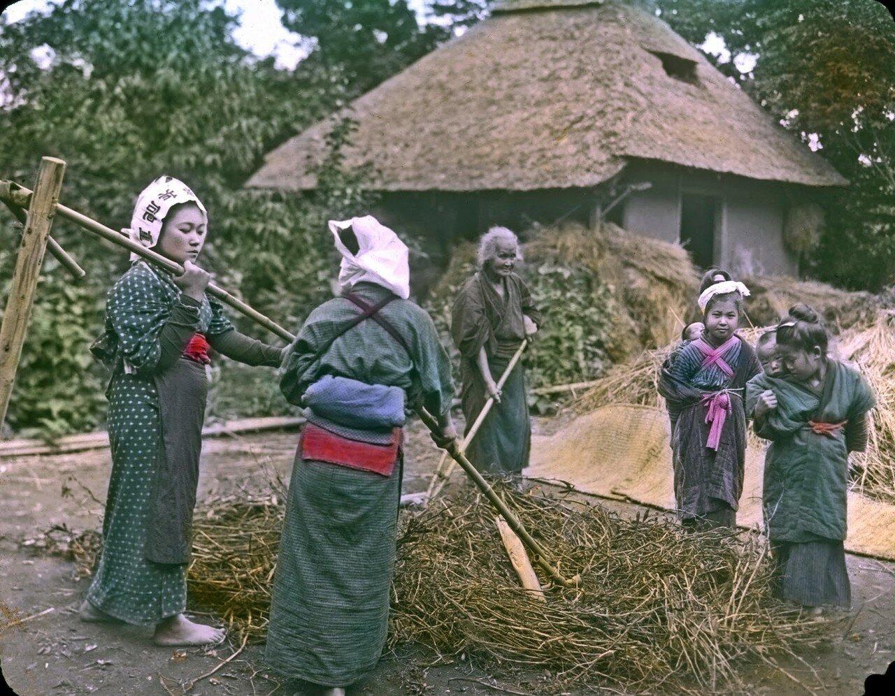 Женщины за работой. 1910
