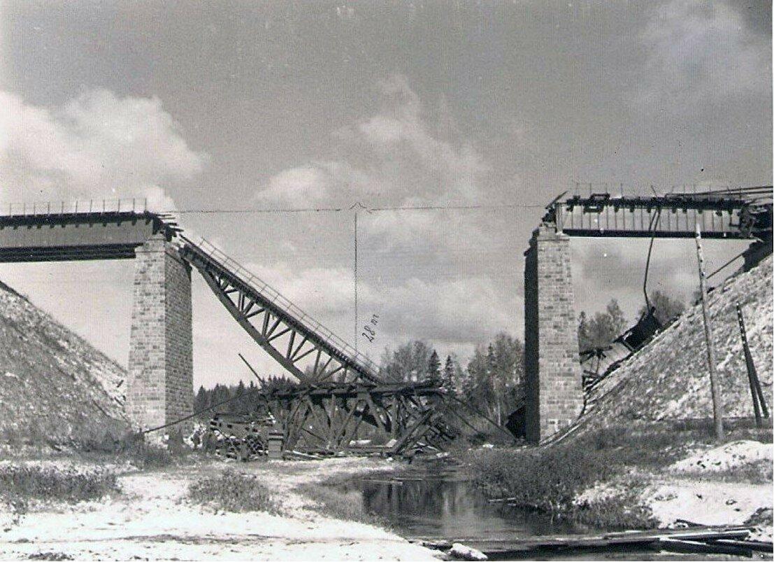 1941. Восстановление разрушенного железнодорожного моста в Торопце