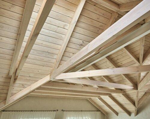 042 потолок из дерева