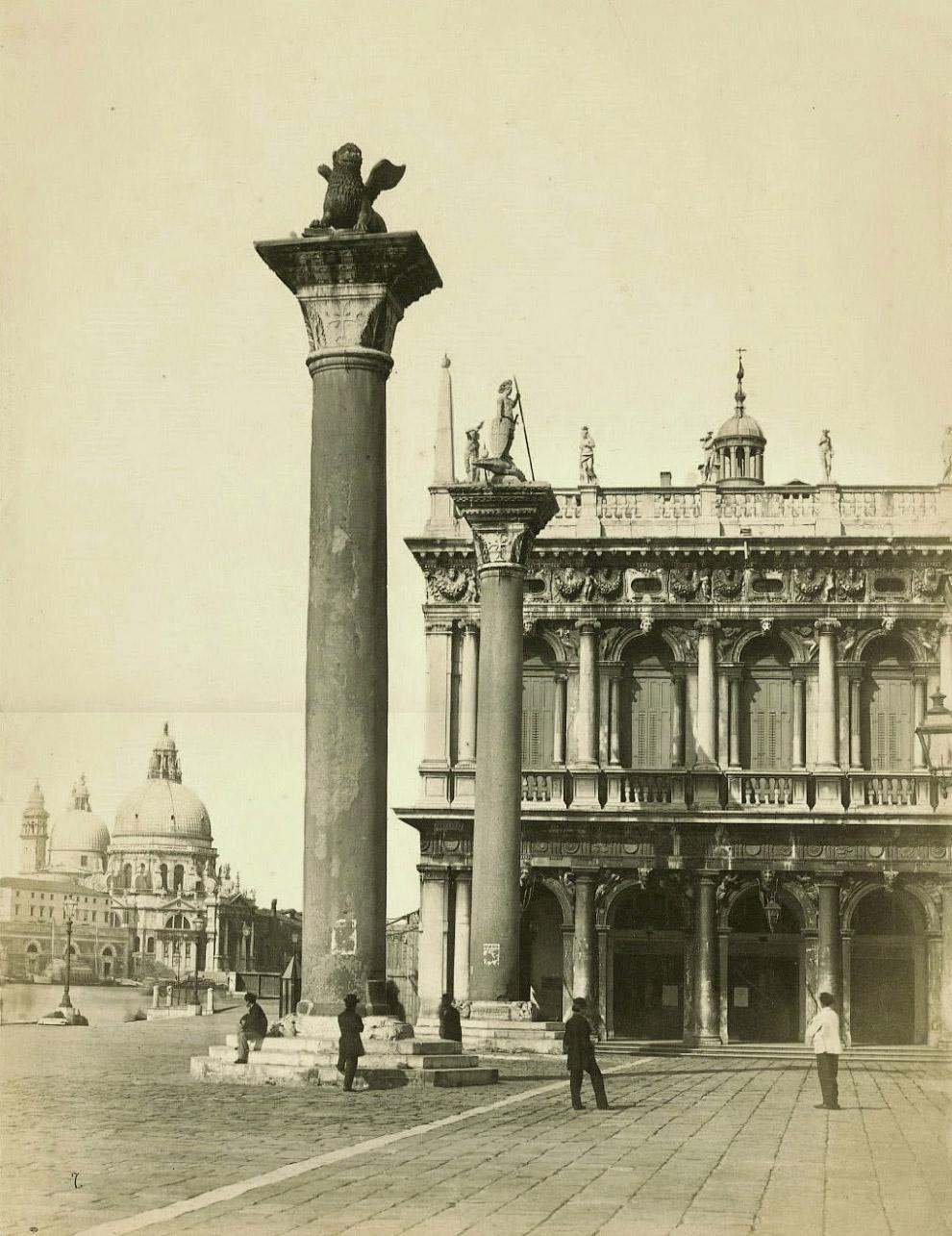 18. Крыльцо Кампанилы собора Святого Марка, 1875 год.