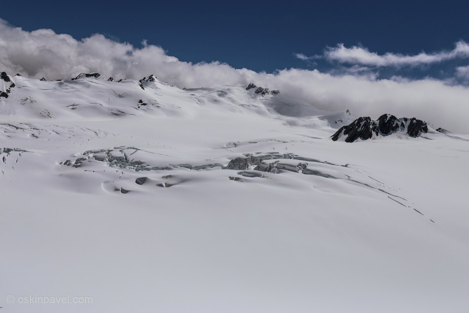 Всего в горах Южного острова Новой Зеландии насчитывается 360 ледников.