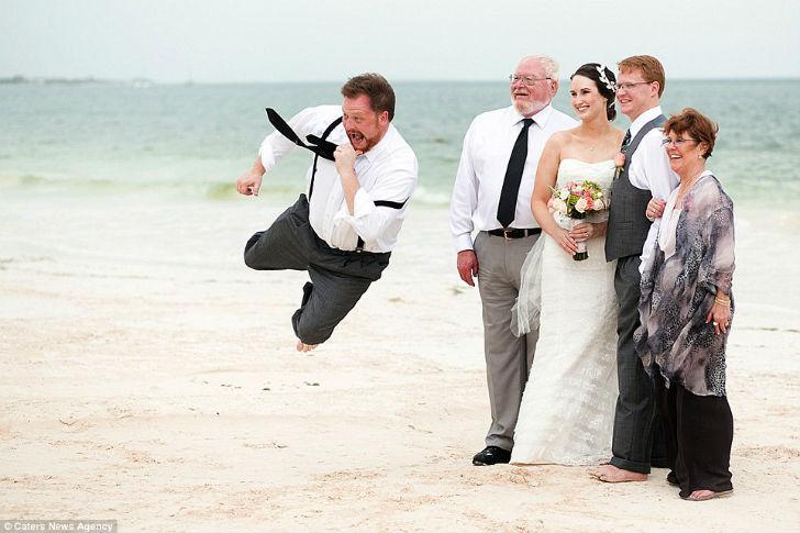 На любой свадьбе среди гостей найдется любитель фотобомб.