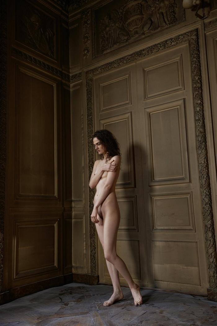 «Француженки» Сони Сьефф: ода женщине, красоте тела и наготы
