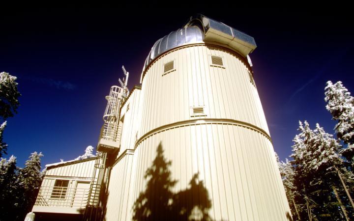 6. У Ватикана есть собственный телескоп в Аризоне. Он расположен на горе Грэм, на юго-востоке штата