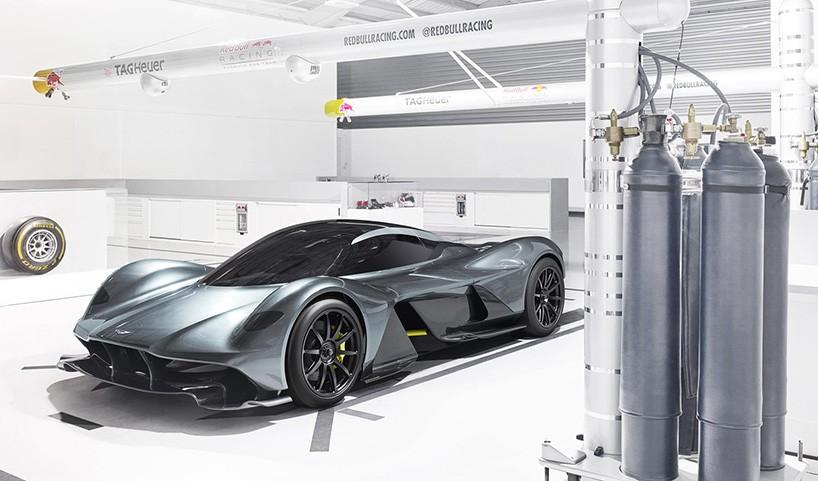 Кузов авто изготовлен из углеродного волокна, который также сможет похвастаться радикальной аэродина