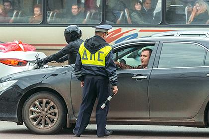Московская Госавтоинспекция будет отличать агрессивных водителей понаклейкам намашине