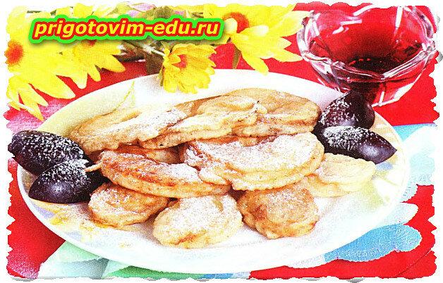 Фрукты в кляре (ананасы и бананы)