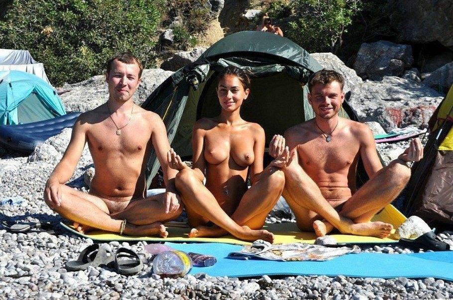 фото нудисты в походе