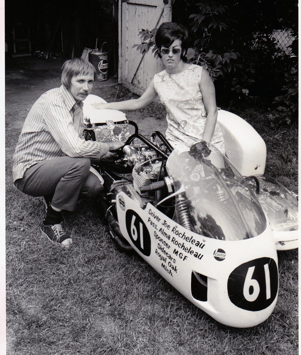 Гонщики Джо и Алма Рошело - история мужа и жены, участвовавших на Турист Трофи 1974