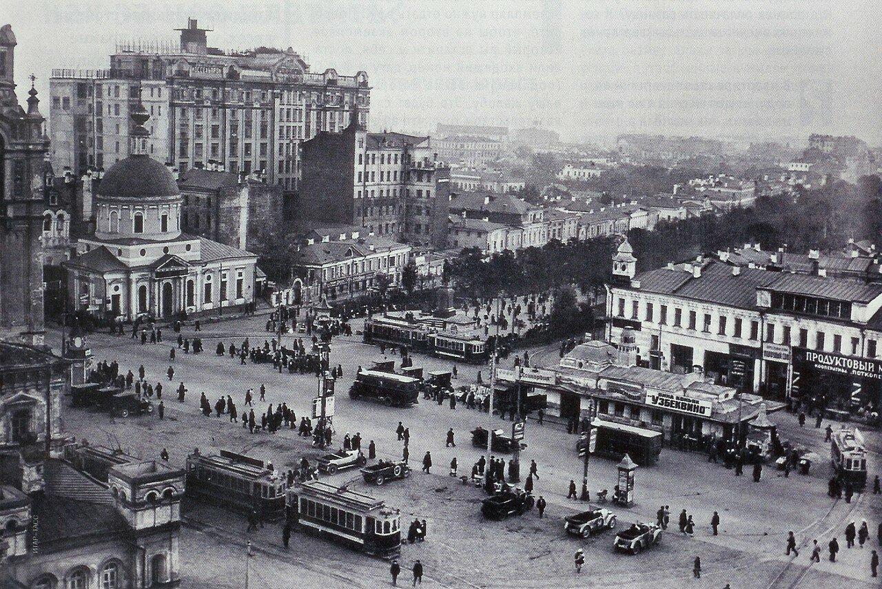 1118 Страстная площадь 1924 Николай Петров.jpg