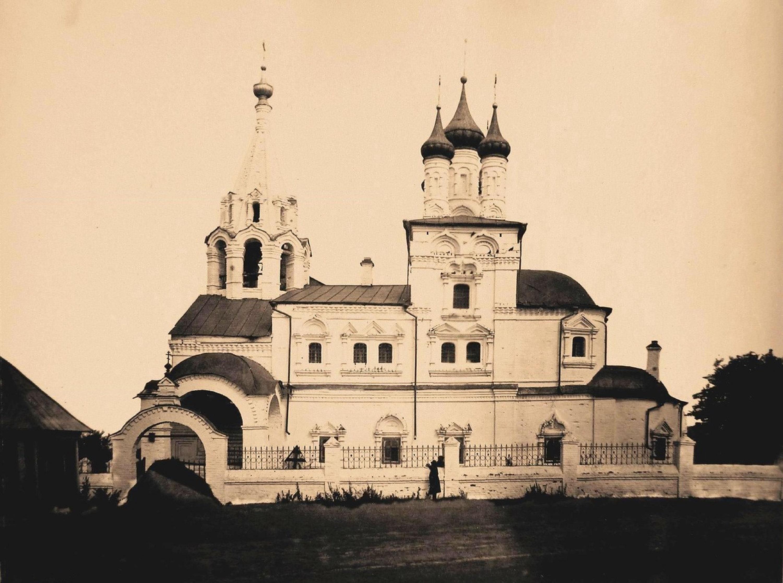 Вид южного фасада церкви Св.Троицы