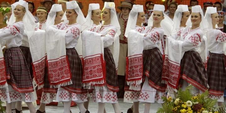 5. Беларусь Из-за малого количества проживающих в Беларуси мужчин, эта страна полна сексуальных и од