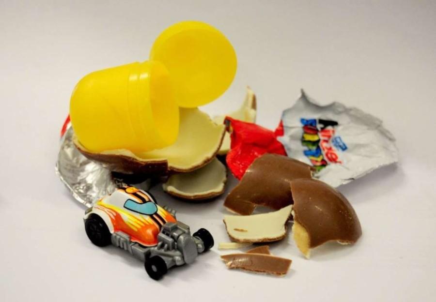 1. В США с 1938 года запрещено популярное по всему миру шоколадное яйцо с игрушкой внутри, так как а