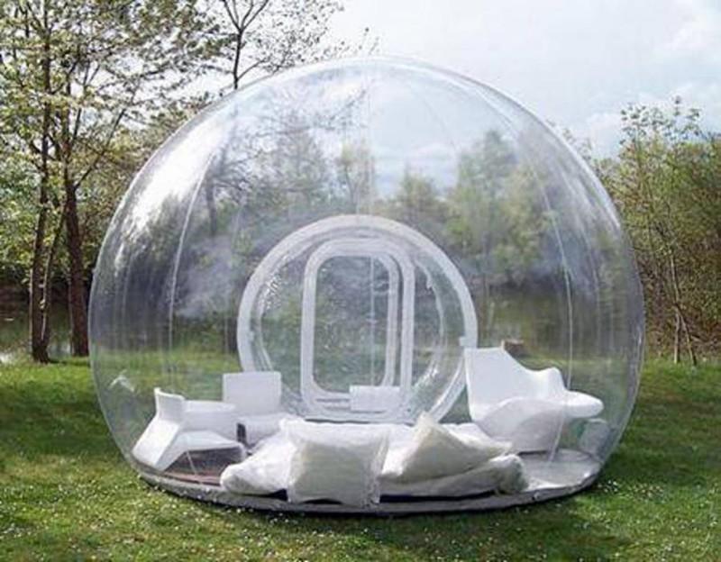 23. Надувная палатка, в которой очень классно находиться во время дождя.
