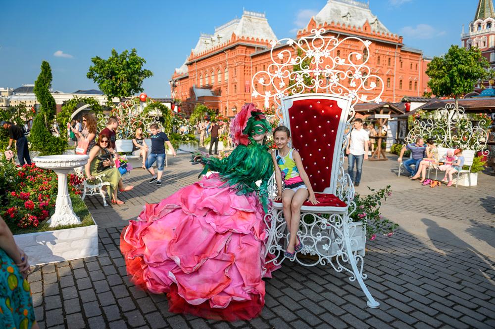 Фестиваль стал частью цикла уличных городских фестивалей «Московские сезоны» и идет до 7 августа вкл