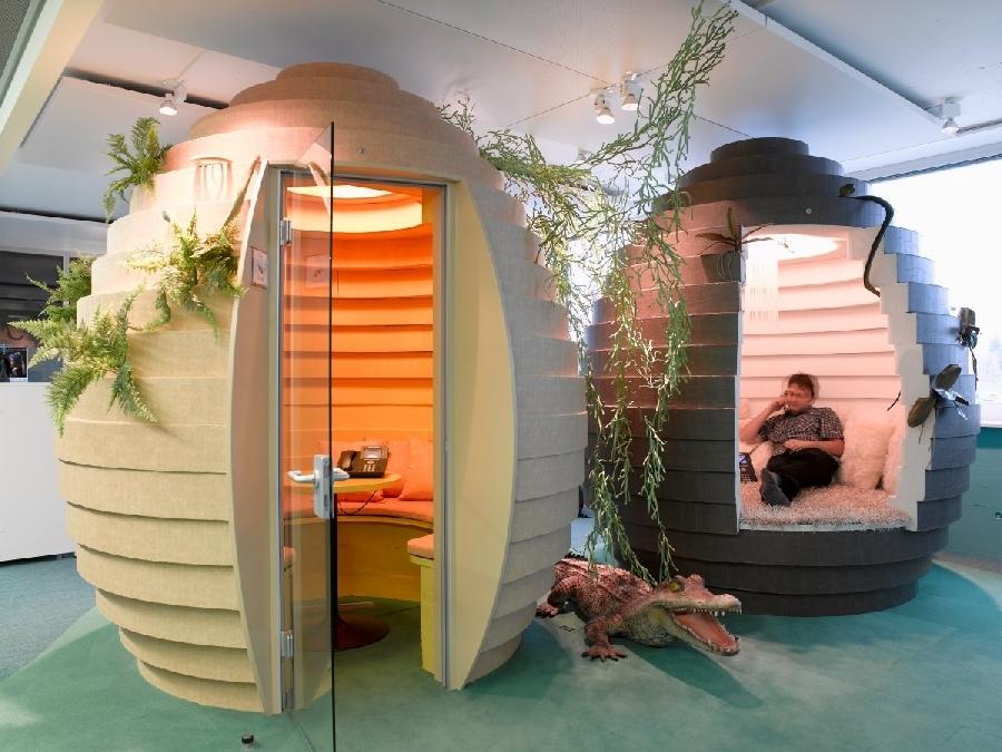 8. Швейцарское бюро Google Швейцарское бюро Google известно своими переговорными комнатами в виде ул