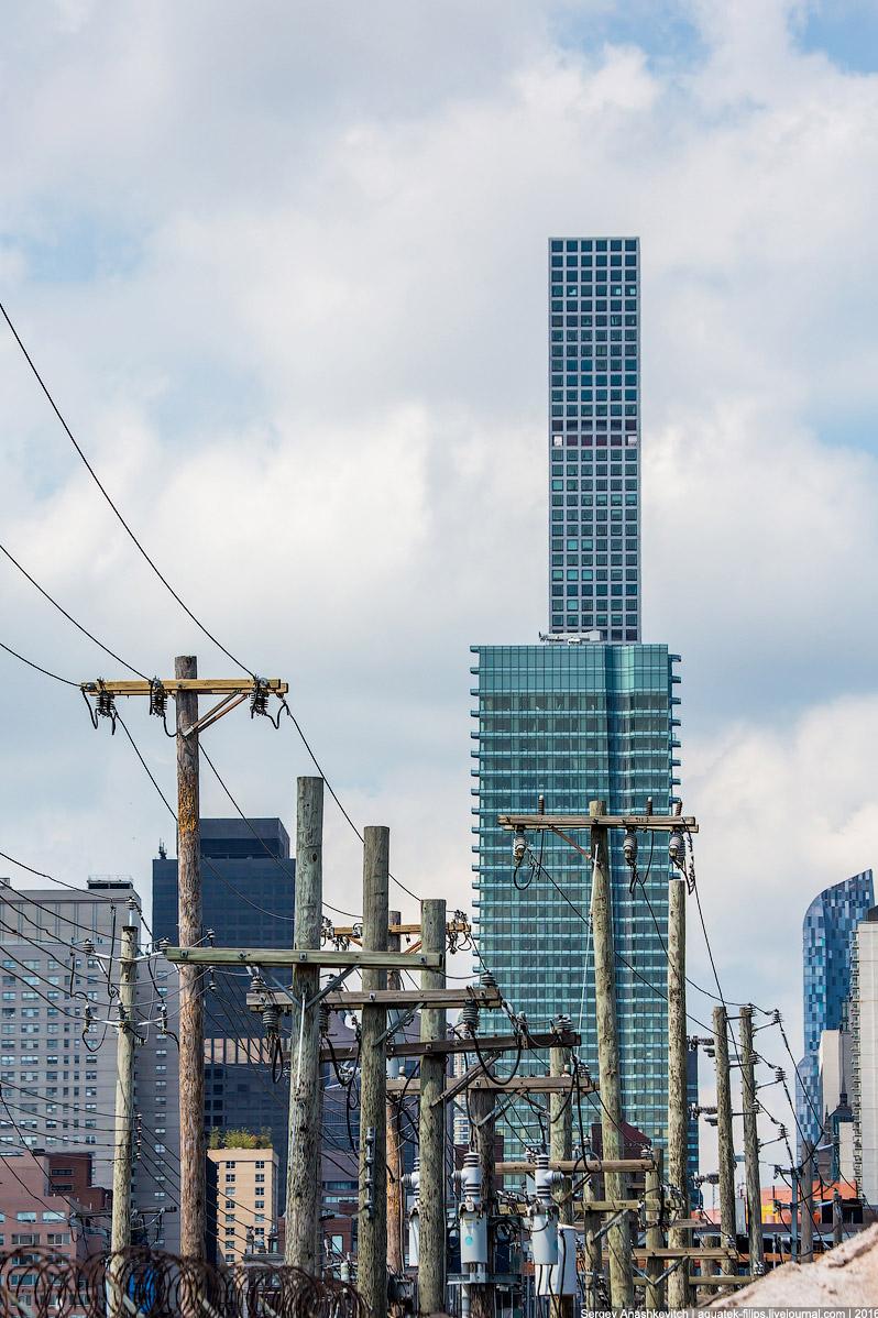 19. Здание ООН и небоскребы основной части Манхеттена с парка Гантри.  20.