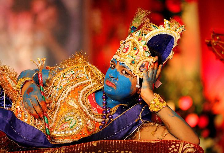 1. По григорианскому календарю, праздник Кришна-джанмаштами выпадает на август — сентябрь месяц