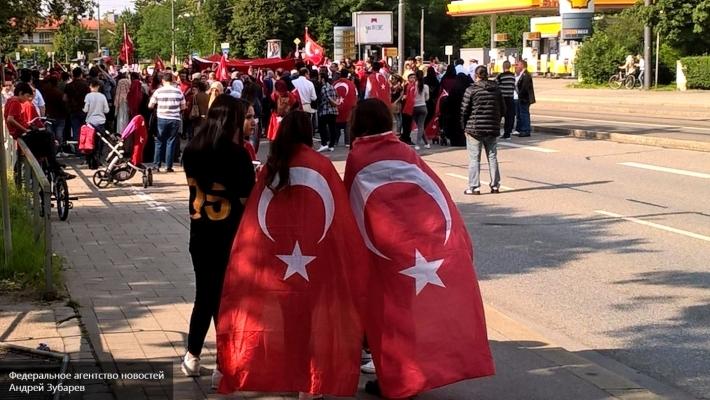 Чавушоглу: Российская Федерация поддержала Турцию впроцессе мятежа