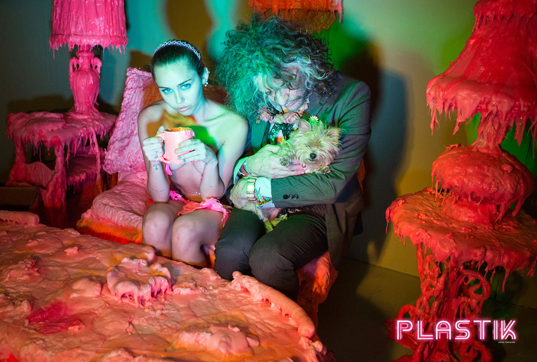 в Пластике с Майли Сайрус / Miley Cyrus by Vijat Mohindra - Plastik Magazine issue 27