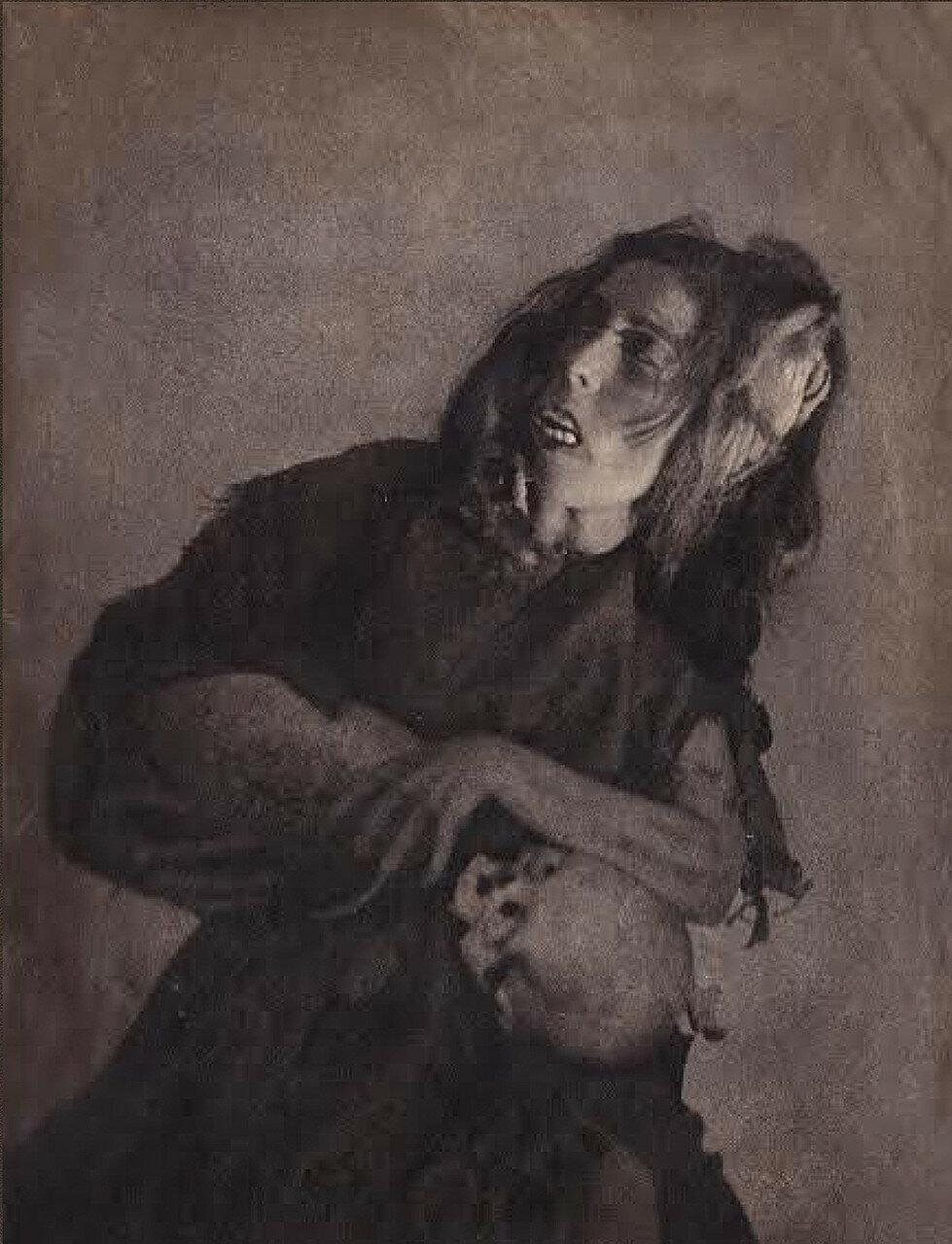 1936. «Мадонны и монстры». Женщина с черепом