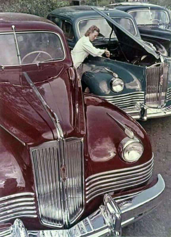 1946 Автомобили ЗИС-110. Шагин.jpg