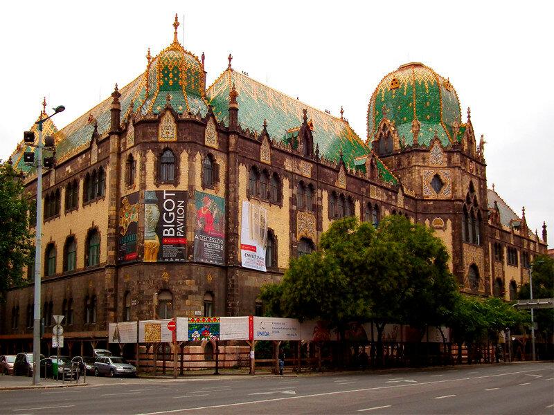 Будапештский музей прикладного искусства имеет уникальную крышу