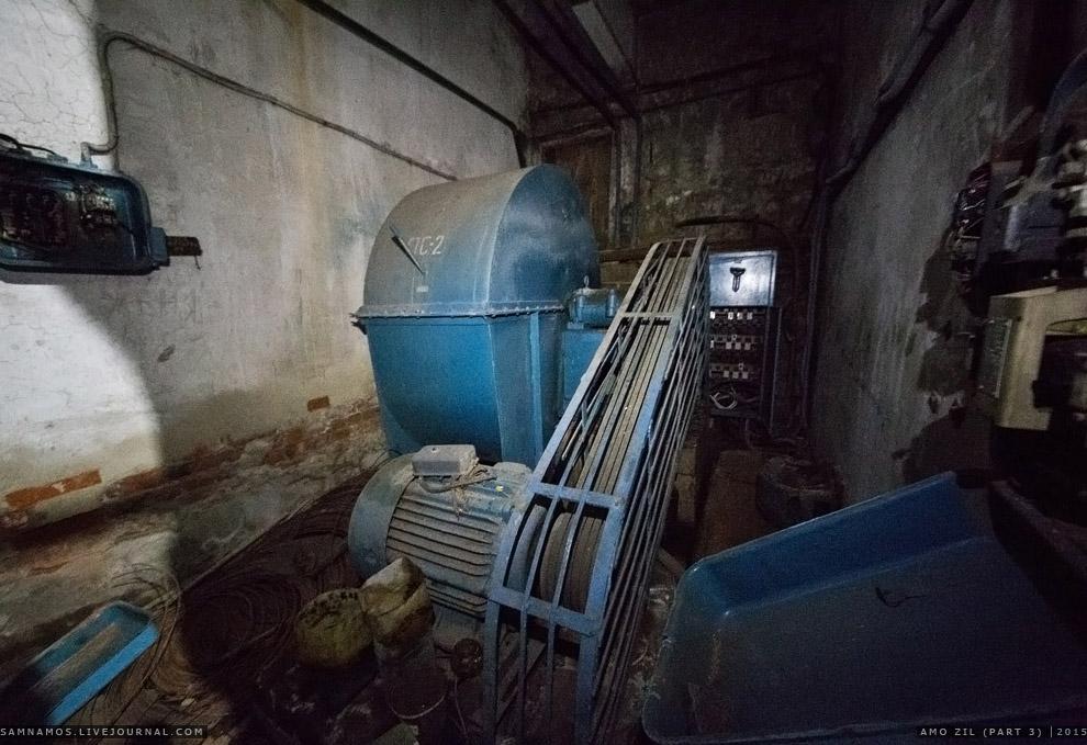 13. В этой и соседних лабораториях испытывали двигатели, проверяя выборочно готовые из производ