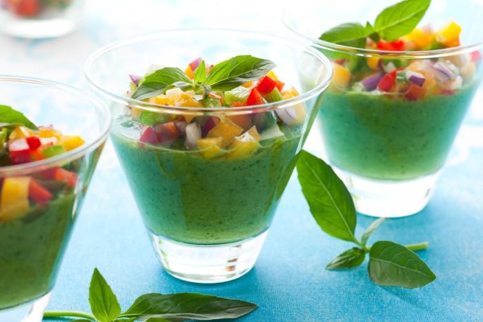 Ингредиенты 5 сладких зеленых перцев 1 болгарский перец 70 мл оливкового масла 400 г огурцов 3