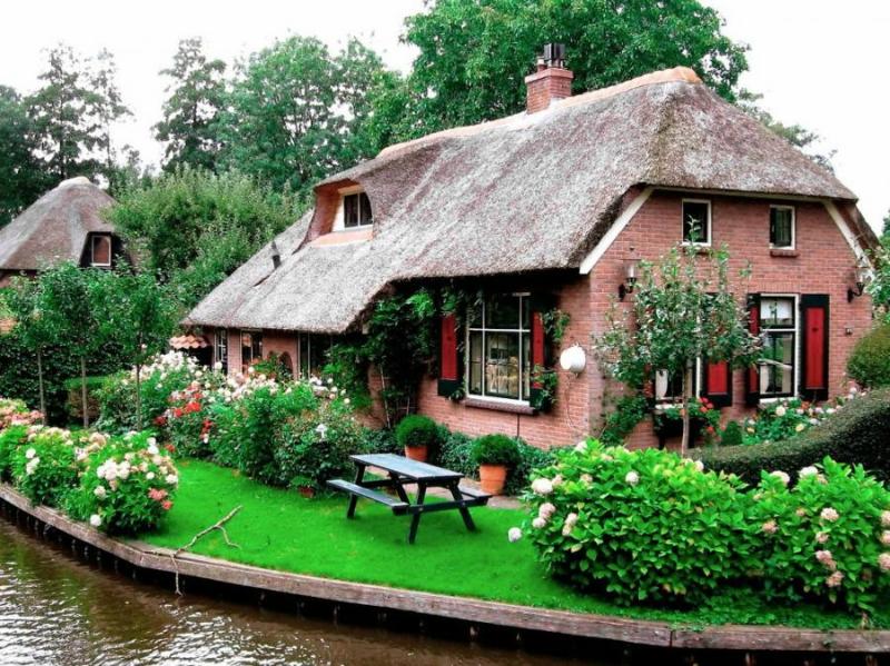 Самые красивые деревни и маленькие города Европы: Гитхорн, Нидерланды