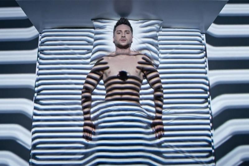 Всети интернет высмеяли новый клип Лазарева напесню сЕвровидения