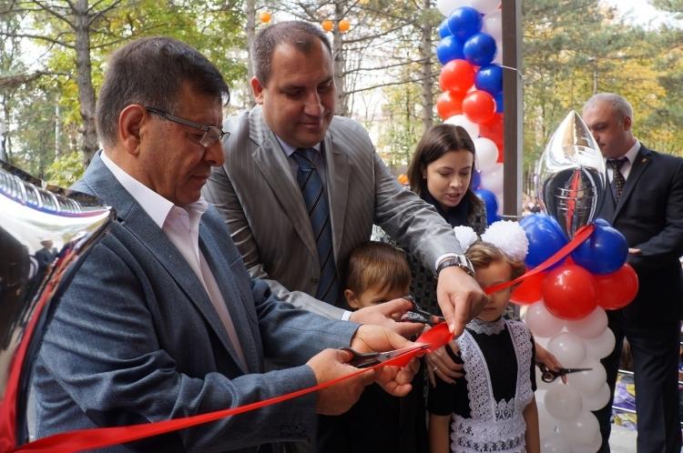 После нескольких лет заморозки вМинводах открыли новейшую начальную школу