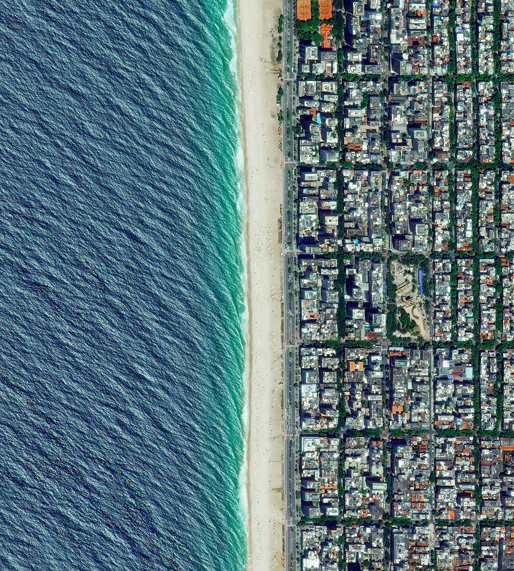 Ipanema Beach / –22·983606°, –43·206638° / Ipanema Beach is located in the South Zone of Rio de Jane